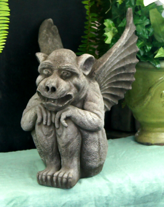 WELCOME TO FLEUR DE LIS GARDEN ORNAMENTS IN SEATTLE OUTDOOR GARDEN